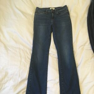 Forever 21 Medium wash jeans size 26